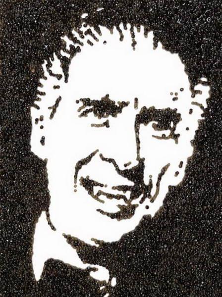Портрет Дракулы, написанный черной икрой китч поп-арт авангард необычное искусство приколы развлечения