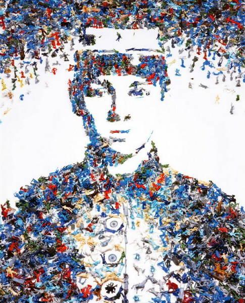 Портрет из игрушечных солдатиков игрушки развлечения запоминающийся шедевр курсы живописи