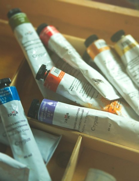 тюбики краски масляная живопись палитра мастихин мольберт курсы живописи где рисовать в петербурге студия на в.о. алексей жуков
