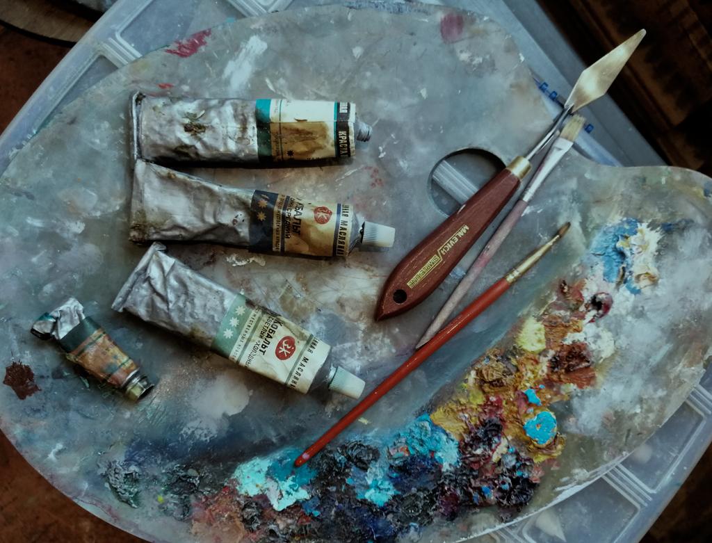 художественные товары